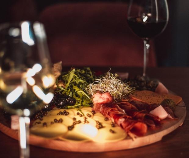 Muszlowa propozycja na Walentynki: sety przekąsek idealne na romantyczny wieczór.