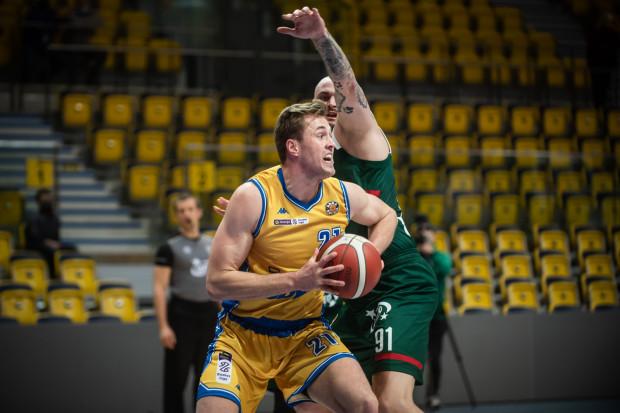 Asseco Arka nie zdołała sięgnąć po drugie z rzędu zwycięstwo w Energa Basket Lidze. Na zdjęciu Mikołaj Witliński, zdobywca 14 pkt w meczu z Polskim Cukrem.