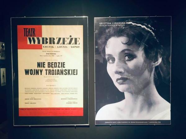 """Ekspozycję """"Krystyna Łubieńska zaprasza... Nie tylko teatr"""" obejrzymy w Pałacu Opatów, w Oddziale Sztuki Nowoczesnej MNG."""