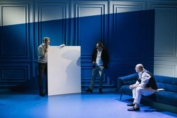 """Teatr Wybrzeże zaprezentuje przygotowane w czasie zamknięcia spektakle: """"Sztuka"""" na Scenie Malarnia, """"Lilla Weneda"""" na Scenie Kameralnej w Sopocie oraz """"Emigrantki"""" w Starej Aptece."""