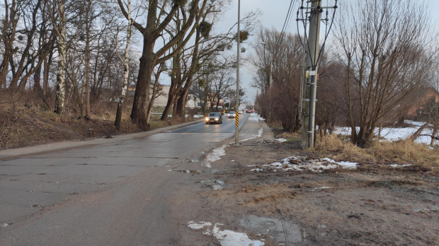 Urzędnicy brak przejścia na Lubowidzkiej tłumaczą niekorzystnymi statystykami. Według nich - wyznaczanie przejść dla pieszych generuje większą liczbę wypadków z ich udziałem.