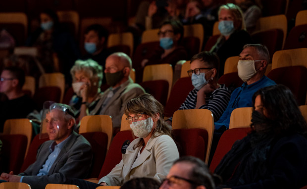Podczas koncertów należy mieć zasłonięte usta i nos, a zapełnienie widowni nie może przekraczać 50 procent.