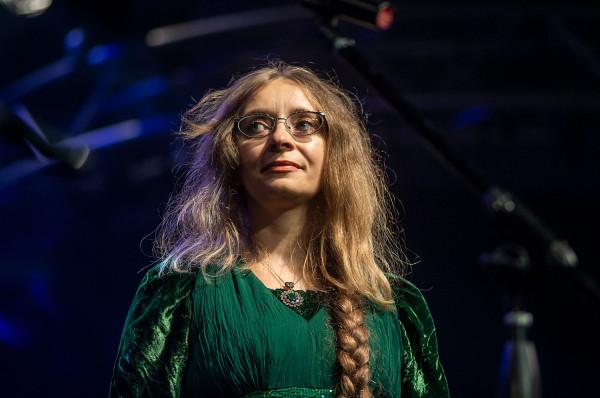"""Jedna z ostatnich książek Moniki Milewskiej """"Latawiec z betonu"""" została uhonorowana Pomorską Nagrodą Literacką """"Wiatr od morza"""" w 2019 roku."""