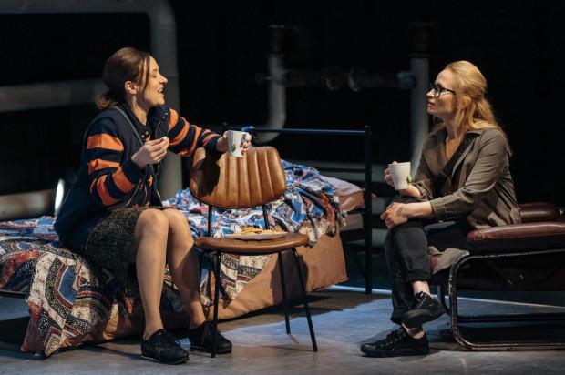 Najciekawszą rolę buduje Małgorzata Brajner (po lewej) - jej Zosia to prosta, bardzo nieszczęśliwa kobieta.