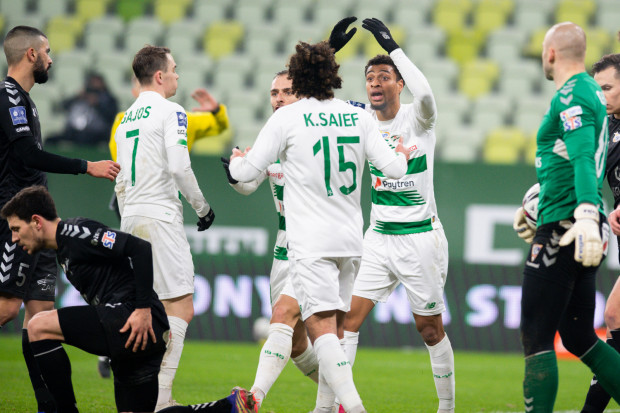 Kenny Saief i Joseph Ceesay sprawili, że na grę Lechii Gdańsk czasami można było patrzyć z przyjemnością, a Flavio Paixao i Maciej Gajos ustalili wynik na 2:0.