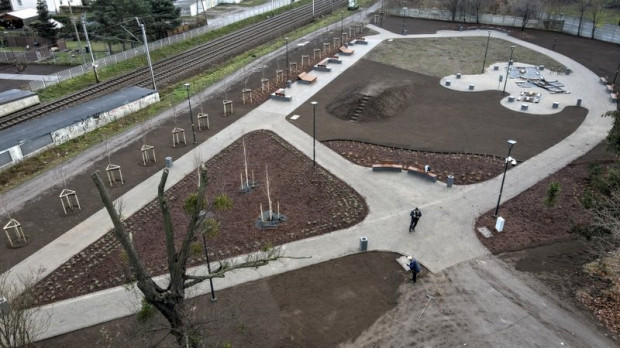 Nowe ławki, ścieżki, oświetlenie i wiele innych. Jesienią pojawi się także zieleń.