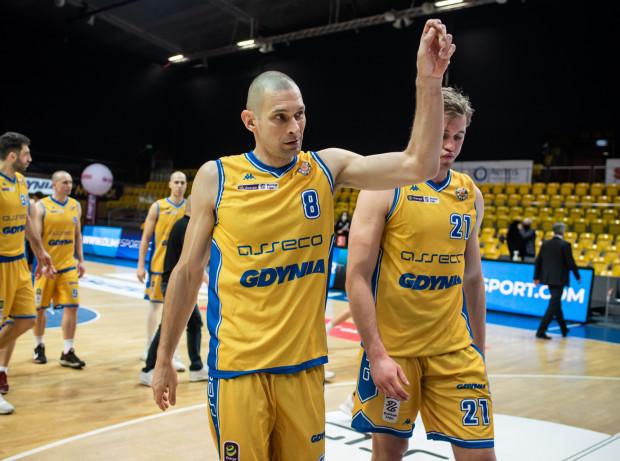 Filip Dylewicz w styczniu pobił rekord występów w Polskiej Lidze Koszykówki, rozgrywając swój 673 mecz. Jeśli zagra we wszystkich spotkaniach do końca sezonu, licznik wybije 680 pojedynków.