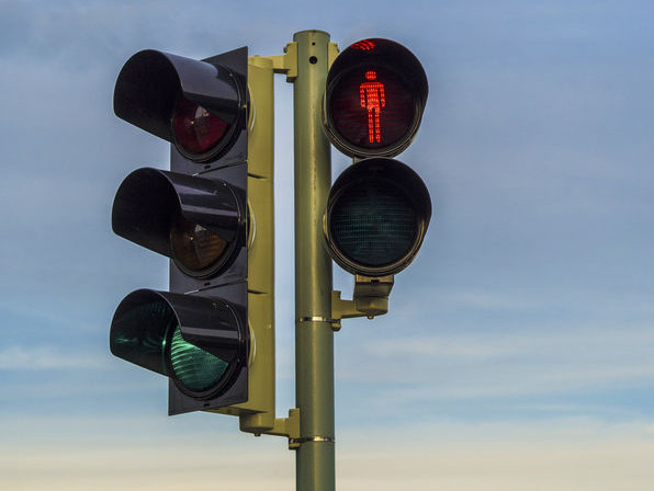 Czerwone światło może wyświetlać się nawet kilka minut.