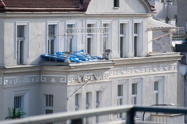 Pustostan znajduje się na ostatnim piętrze budynku przy Jaśkowa Dolina 8. To samo centrum Wrzeszcza.