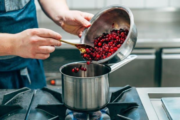 Kolacja Biały Królik at Home to inny wymiar doznań kulinarnych - domowy, ale nadal elegancki, inspirujący i bogaty w smakowe wrażenia.