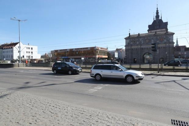 Przejście dla pieszych powstanie na wysokości Bramy Wyżynnej i budynku LOT-u.