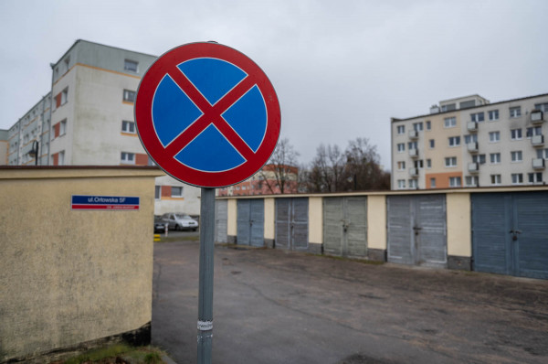 Znak należy do Spółdzielni Mieszkaniowej.