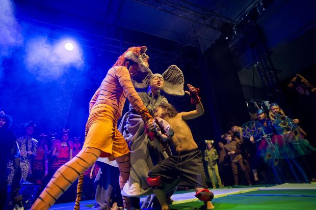 """Musical """"Księga dżungli"""" to propozycja muzyczna skierowana do młodych widzów oraz rodzin."""