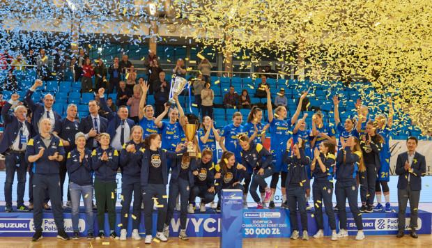 Rok temu Arka Gdynia triumfowała w Pucharze Polski po wygranej dogrywce z CCC Polkowice. Koszykarki chcą ponownie sięgnąć po to trofeum.