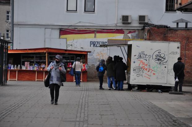 Przestrzeń wokół Targu Węglowego zdaniem naszego czytelnika kłuje w oczy.