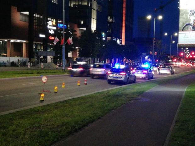 Aby ograniczyć zapędy kierowców w Oliwie, policja zwęża tymczasowo jezdnię w kierunku centrum Gdańska.