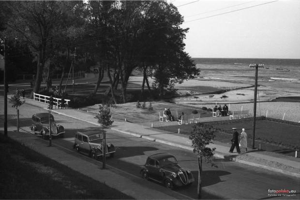 Ul. Orłowska w Gdyni na zdjęciu z drugiej połowy lat 30. XX wieku.