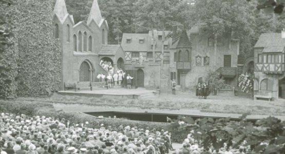 Przedwojenne inscenizacje oper Wagnera w Sopocie imponowały rozmachem i wartością artystyczną. Jest szansa, że obrazki takie jak ten wrócą do Opery Leśnej.