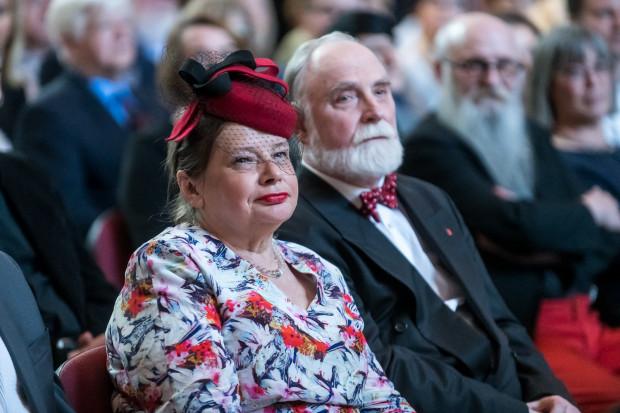 Krystyna i Stefan Chwinowie w tym roku zapowiadają swoje nowe książki. Będzie to tom poezji oraz esej naukowy.