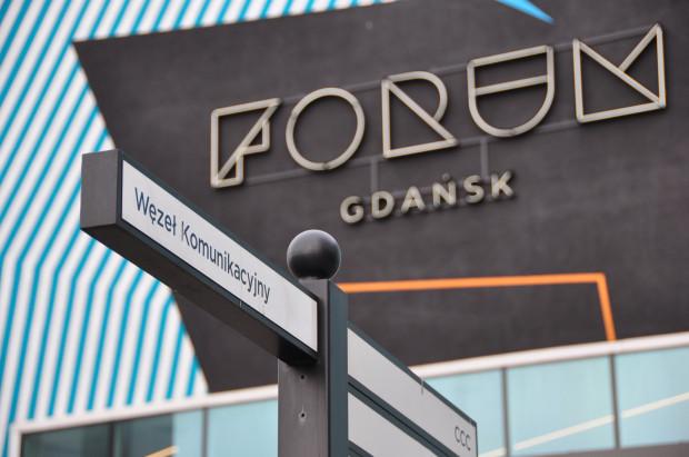 Węzeł komunikacyjny powstał w partnerstwie publiczno-prywatnym w ramach budowy Forum Gdańsk jako cel publiczny. Podobnie jak Kunszt Wodny, wciąż nie udało się go oddać do użytku w pełnym zakresie.
