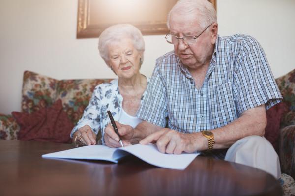 88-latka z mężem zorientowali się, że skradziono im 30 tys. zł. Zdjęcie ilustracyjne.