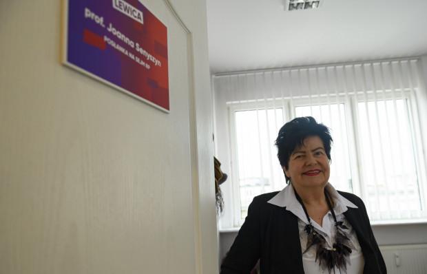 Posłanka Lewicy Joanna Senyszyn zaprasza nowego metropolitę gdańskiego do współpracy ze swoim biurem poselskim.