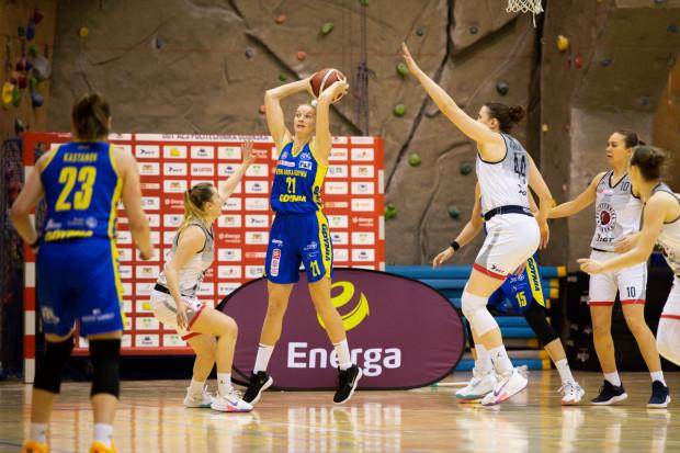 VBW Arka Gdynia i DGT Politechnika Gdańska w play-off Energa Basket Ligi Kobiet mogą spotkać się jedynie w finale. Dla gdynianek gra o złoto to obowiązek, gdańszczanki skupiają się na każdym kolejnym meczu.