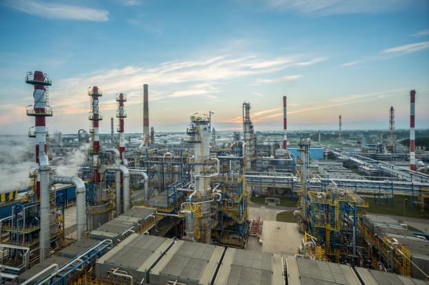 Zarządu Lotosu wydał decyzję dotyczącązmian wymaganych doprzejęcia przez spółki przez PKN Orlen.