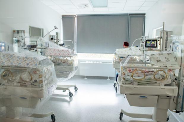 Jakie zasady przyjęć obowiązują na trójmiejskich porodówkach?