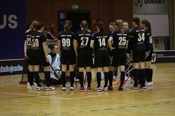 Koronawirus osłabił Interplastic Olimpię Osowa, która po raz pierwszy od sezonu 2007/08 nie wygrała rundy zasadniczej. Gdańszczanki wystawiły w ekstralidze także drugi zespół i liczą, że zdobyte doświadczenie zaprocentuje w kolejnych rozgrywkach.