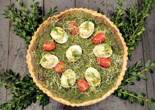 W ofercie Borowej Ciotki na Wielkanoc znajdziemy: ciasta, dania na zimno i ciepło oraz żurek.