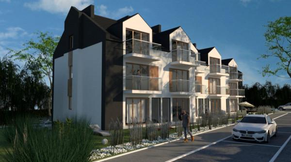 Mieszkania w budynku przy  Kamiennej 36B  w Rumi są aktualnie w sprzedaży. Ich atuty to nie tylko przemyślane rozkłady i doświetlenie wnętrz, ale też las po drugiej stronie ulicy.
