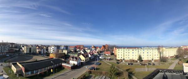 Widok z tarasu ostatniego będącego w sprzedaży  apartamentu w budynku <b>Kaszubska Bryza</b> w Helu.