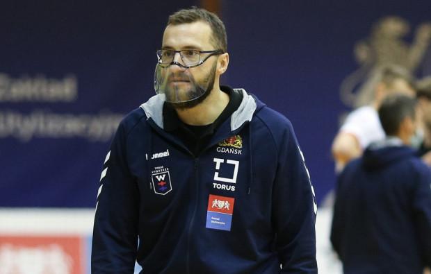 W sobotę Mariusz Jurkiewicz po raz pierwszy poprowadzi Torus Wybrzeże Gdańsk w roli pierwszego szkoleniowca. Jednym z celów jakie sobie stawia, jest większa agresywność drużyny w defensywie.