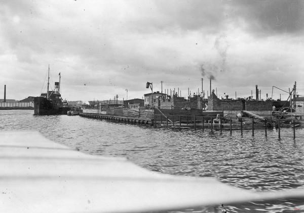 Zdjęcie z budowy budynku Poczty Morskiej w Gdańsku. Rok 1926 lub 1927.