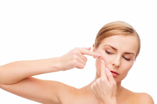 To, jak żyjemy i co robimy albo o czym zapominamy w codziennej pielęgnacji, ma ogromny wpływ na nasz wygląd i kondycję skóry twarzy oraz ciała.