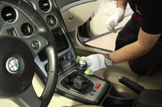 Warto również zadbać o wnętrze pojazdu.