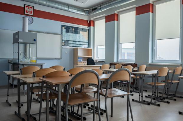 Nauka stacjonarna wszystkich uczniów jest zawieszona do 11 kwietnia we wszystkich szkołach.
