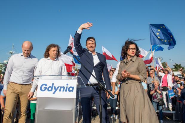 W lipcu, po przegraniu wyborów prezydenckich, Rafał Trzaskowski ogłosił, że tworzy nowy ruch obywatelski. Towarzyszyli mu wtedy m.in. prezydent Gdańska i Sopotu.