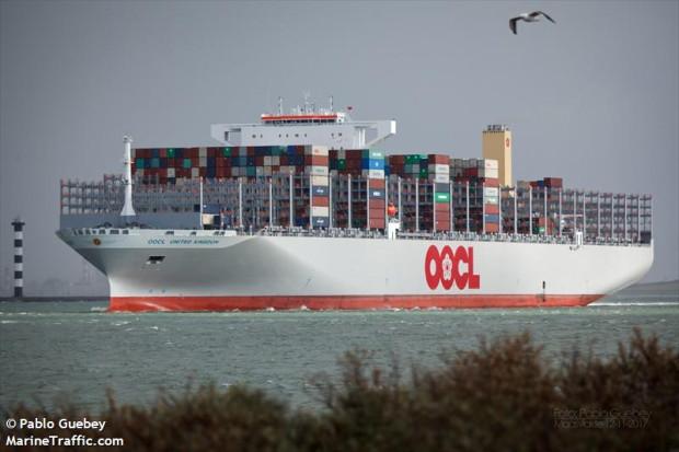 OOCL United Kingdom nie czeka w korku przed Kanałem Sueskim i już wyruszył w trasę dookoła Afryki.