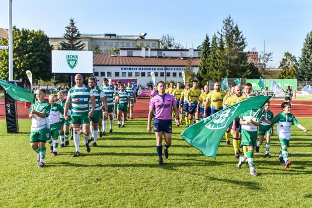 W planowanych terminach 11. kolejki ekstraligi rugby z trójmiejskich drużyn zagrały tylko: Lechia Gdańsk i Arka Gdynia. Ze zwycięstwa cieszyli się jednak tylko biało-zieloni.