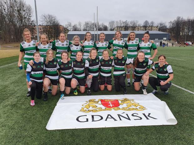 Biało-zielone Ladies Gdańsk wystawił w Rudzie Śląskiej dwie drużyny. Obie skończyły turniej z kompletem zwycięstw.