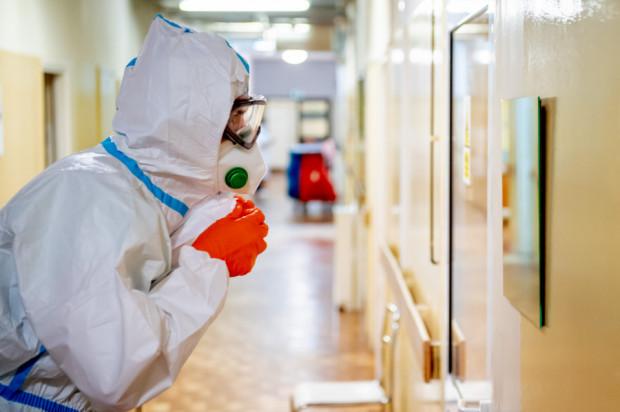 Studenci, którzy się zgłoszą do pracy przy zwalczaniu pandemii, będą mieli zaliczony okres pracy do praktyk zawodowych.