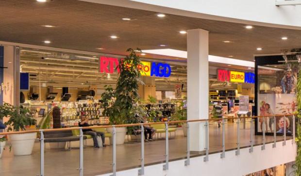 Sieć RTV Euro AGD uznała, że skoro sprzedaje artykuły spożywcze i medyczne, to może funkcjonować. W Trójmieście działają trzy sklepy tej sieci.