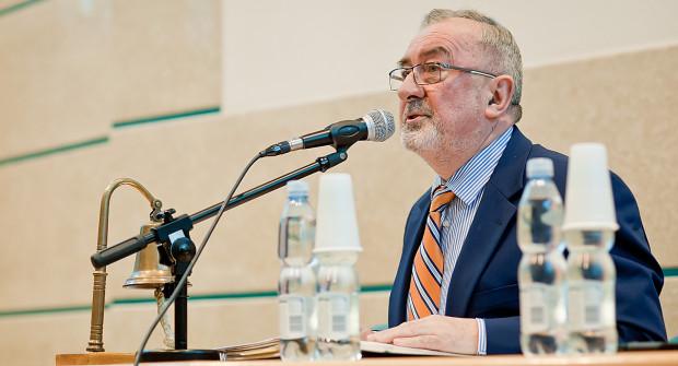 Opozycyjni radni oraz społecznicy zarzucają radnemu Samorządności Stanisławowi Borskiemu łamanie przepisów związanych z pełnieniem mandatu radnego.