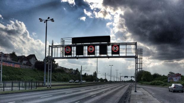 Tablice zmiennej treści systemu Tristar nad al. Armii Krajowej w Gdańsku.