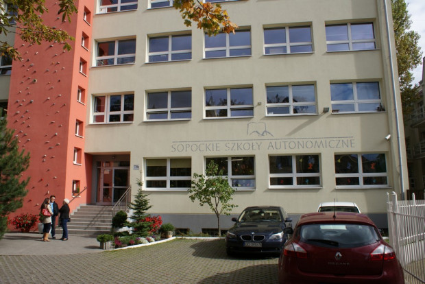 Sopockie Liceum Autonomiczne.
