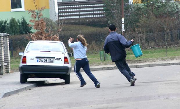 Śmigus-dyngus na ulicach Rumi. 17 kwietnia 2006 r.