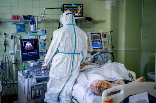 W ostatnim czasie trójmiejskie oddziały covidowe zlokalizowane w specjalistycznych szpitalach są obłożone niemal w 100 proc.
