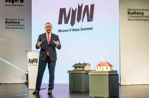 Dr Karol Nawrocki jest szefem Muzeum II Wojny Światowej od równo czterech lat.